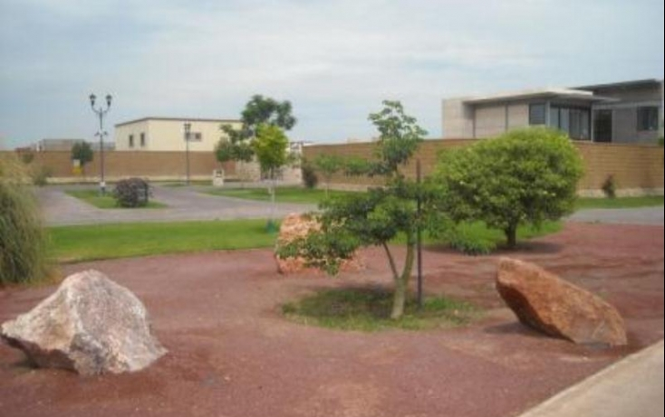 Foto de terreno habitacional con id 387331 en venta el tajito no 05