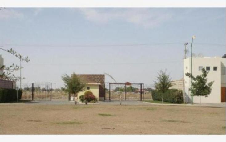 Foto de terreno habitacional con id 416353 en venta el tajito no 02