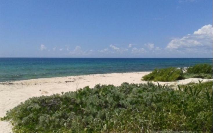 Foto de terreno habitacional con id 480728 en venta en zona federal maritima terrestre 2 puerto morelos no 01
