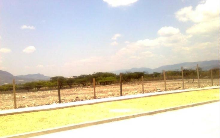 Foto de terreno industrial con id 390146 en venta en la trinidad bugambilias no 02