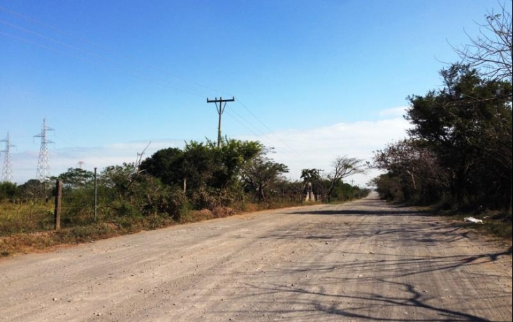Foto de terreno industrial con id 391713 en venta en principal 1 2 lomas no 01