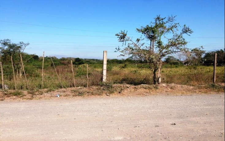 Foto de terreno industrial con id 391713 en venta en principal 1 2 lomas no 02