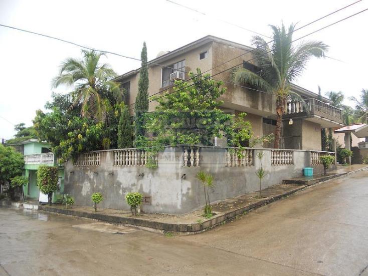 Foto de casa en venta en  703, universidad poniente, tampico, tamaulipas, 423103 No. 02