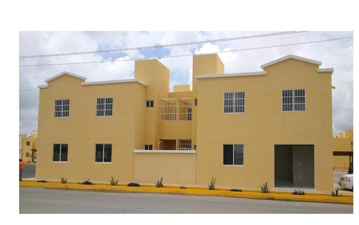 Foto de edificio en venta en  , villas otoch, benito juárez, quintana roo, 1290953 No. 01