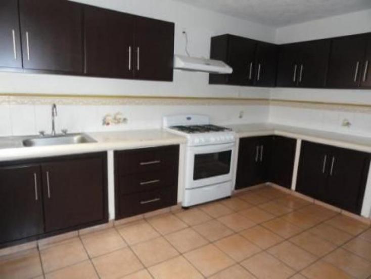 Foto de casa en condominio en renta en  , vista bella, hidalgo, michoacán de ocampo, 220883 No. 03
