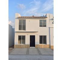 Foto de casa en venta en  , lomas del pedregal, irapuato, guanajuato, 2515415 No. 01